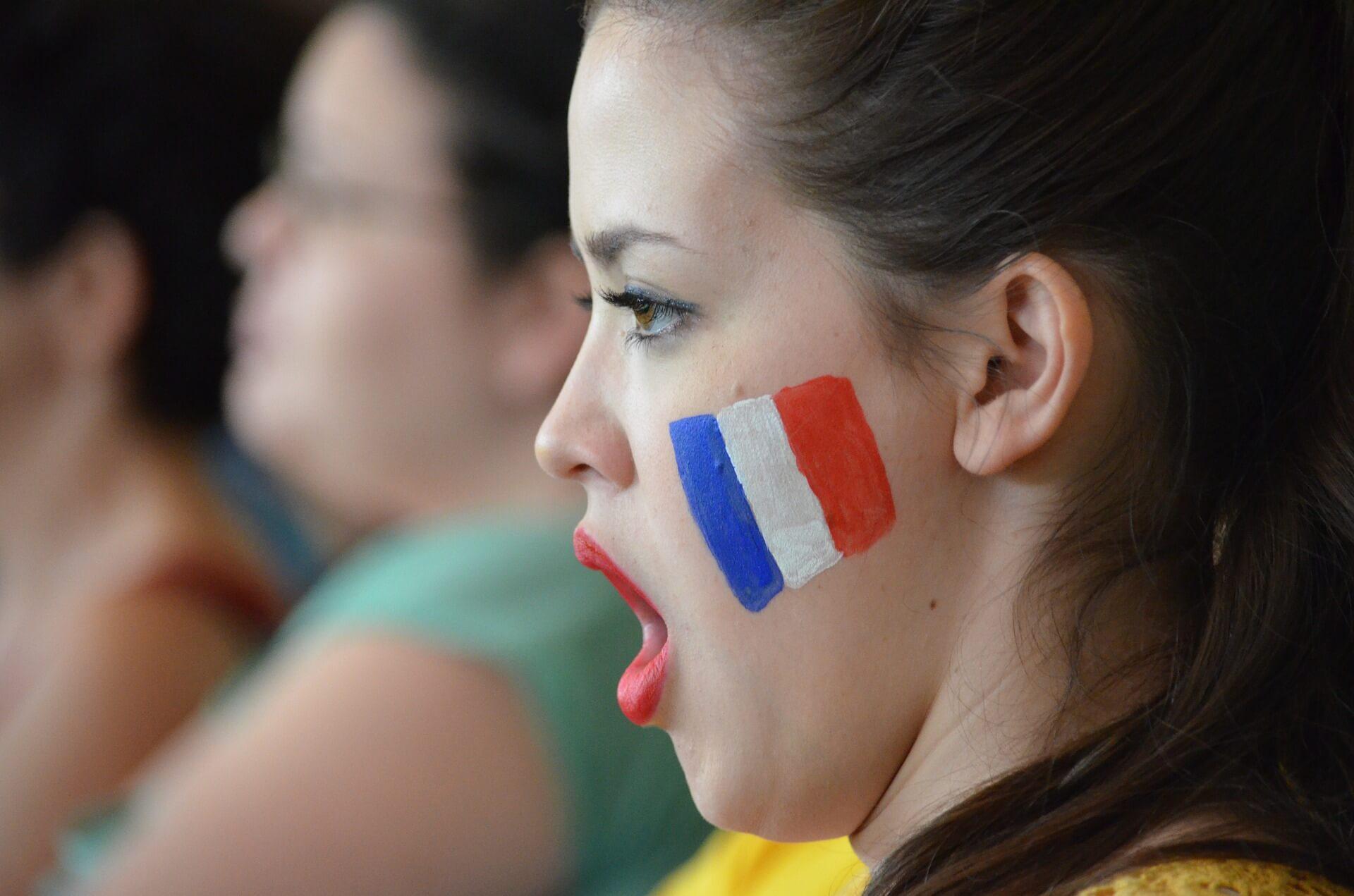 himno de francia. cursos de frances en Medellin