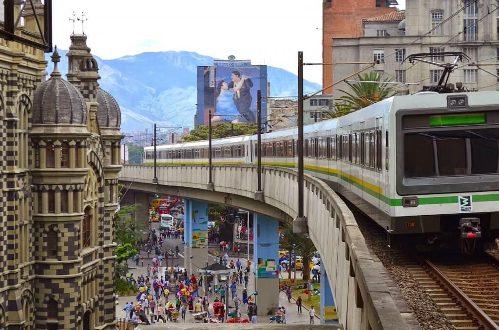 metro de medellin. cursos de inglés en Medellín